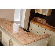 Столешница из натурального камня для фасада кухни