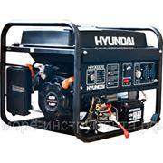 Генератор бензиновый Hyundai HHY3000FE, 230 В, 2.6 кВт, электрозапуск, 45.5 кг. фото
