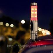 Фонарь аварийный с молотком для автомобилиста фото