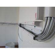 Прокладка кабеля в кабельканале фото