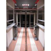 Установка и монтаж турникетов, электронных проходных, систем контроля доступа фото