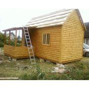 Дачный домик р-р 3x6 с терраской р-р 2x3, кровля — крашенный профлист, решетки на окнах фото