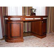 Стол в кабинет фотография