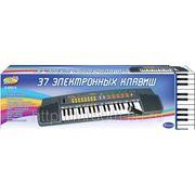Синтезатор, 37 клавиш, 62см, работает от 6 батареек тип аа (823155) фото