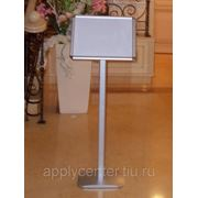Аренда информационной стойки А3 серебристого цвета фото