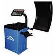 Балансировочный станок с выносным дисплеем, для колес до 70 кг. фото