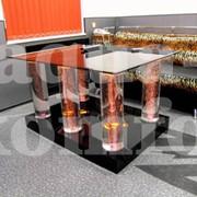 Столик с ножками из воздушно-пузырьковых колонн фото