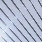 Потолки реечные подвесные Албес AN85А белая со вставкой суперхром фото