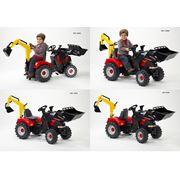 Детский педальный трактор фото