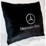 Подушка с логотипом Mercedes фото