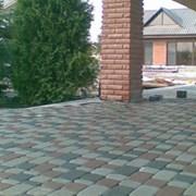 Укладка тротуарной плитки на даче цена фото