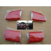 Ford Focus: накладки рулевого колеса, цвет красный фото