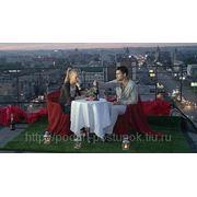 Романтическое свидание на крыше. фото