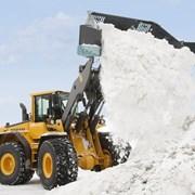 Уборка и вывоз снега с территории фото