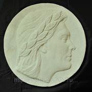 Рельеф молодого человека, скульптура, заказать скульптуру фото