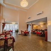 Банкетный зал отеля Александрия фото
