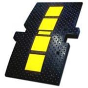 Лежачий Полицейский ИДН-900 концевой элемент Искусственная Дорожная Неровность фото