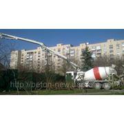 Бетононасос аренда, автобетононасос, доставка, подача бетона миксером с бетононасосом на одном шасси фото