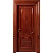 Стойкие деревянные двери фото