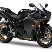 Мотоцикл гоночный Yamaha YZF-R1 фото