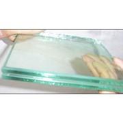 Изготовление стекла различной конфигурации для витрин, холодильных камер и др.; фото