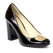 Элегантные туфли из лаковой натуральной кожи фото