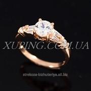 """Кольцо позолота """" Средний камень, прямоугольные камни по бокам"""" 224858 фото"""