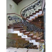 Лестницы с элементами декоративной ковки