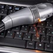 USB-пылесос для клавиатуры с LED-фонариком фото