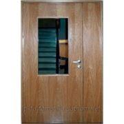 Противопожарные деревянные двери с остеклением фото