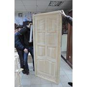 Натуральні дерев'яні двері із сосни ціна фото