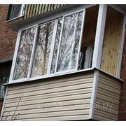 Балконная рама раздвижная (алюминиевая конструкция) П-образная боковая часть глухая