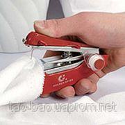 Карманная ручная швейная машинка фото