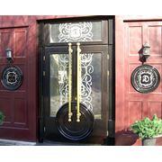 Двери уличные деревянные фото