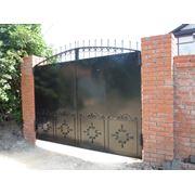Ворота распашные металлические фото