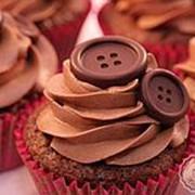 Капкейки с шоколадными пуговками фото