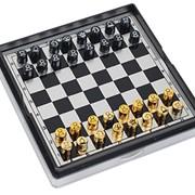 Дорожные шахматы на магнитной доске фото