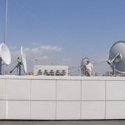 Инсталляция головных станций приема спутникового телевидения фото