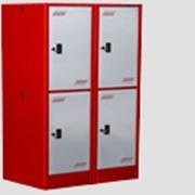 Шкаф для переодевания две секции с двумя ячейками в каждой фото