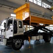 Автомобиль с подъёмной платформой АПК-10 для перевозки грузов и багажа в самолёт