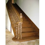 Меж-этажные лестницы из дерева фото