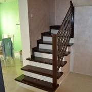 Лестница винтовая из кедра фото