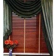 Вертикальные шторы-жалюзи из металлизированной пленки фото