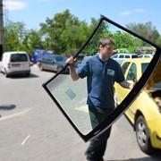 Установить стекло на авто фото