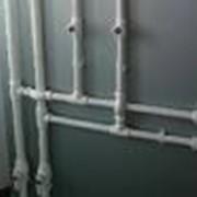 Прокладка полипропиленовых труб фото
