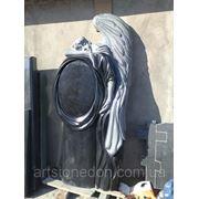 Элитный гранитный памятник Ангел фото