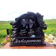 Памятник на двоих С розами фото