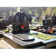 Надгробные памятники из гранита фото