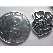 Серебряные значки фото