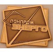 Изготовление корпоративных значков из металла. фото